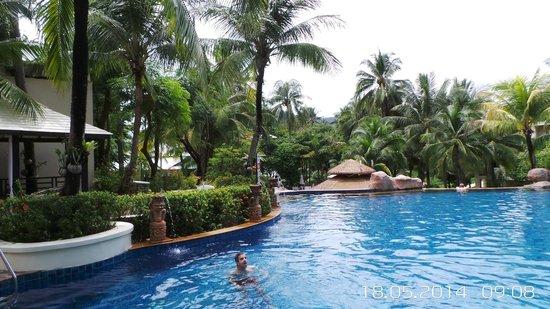 Horizon Karon Beach Resort & Spa : Прекрасные бассейны