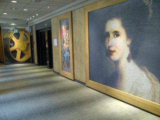 Ibis Milano Centro: Hall dos elevadores