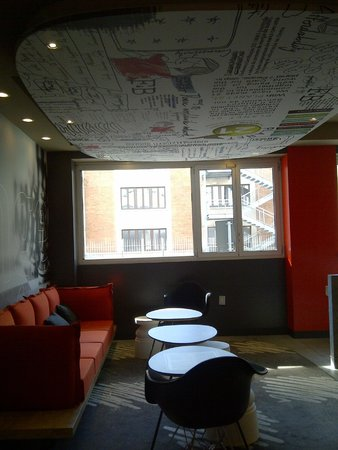 Ibis Milano Centro: Área de convivência