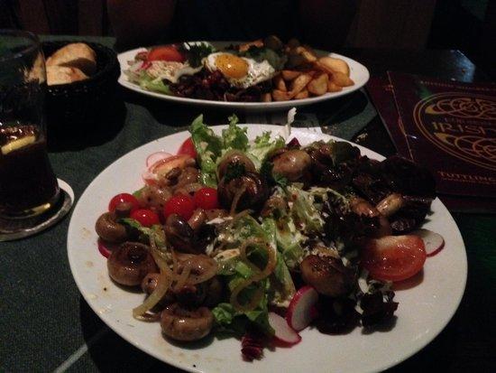 Irish pub: Salad