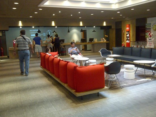 Ibis Milano Centro: Front Desk