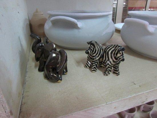 Kazuri Beads Factory : Little hand-made elephants and zebras