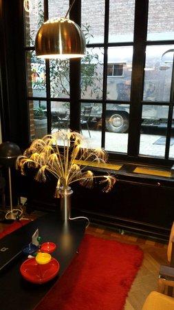 Vintage Hotel Brussels: La reception