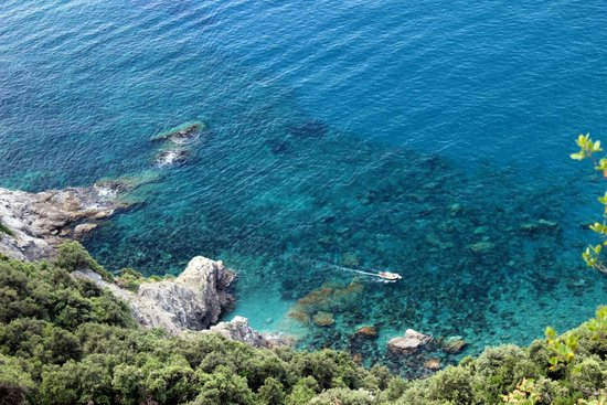 Walkabout Florence Tours: Hiking between towns in Cinque Terre.