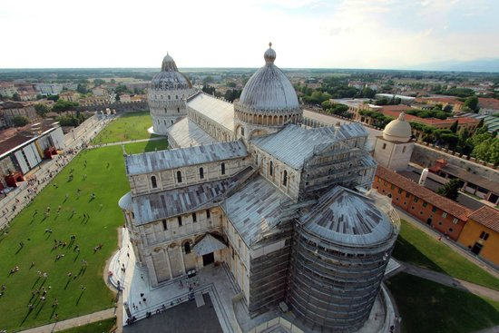 Walkabout Florence Tours: The view from the top of the Leaning Tower of Pisa.