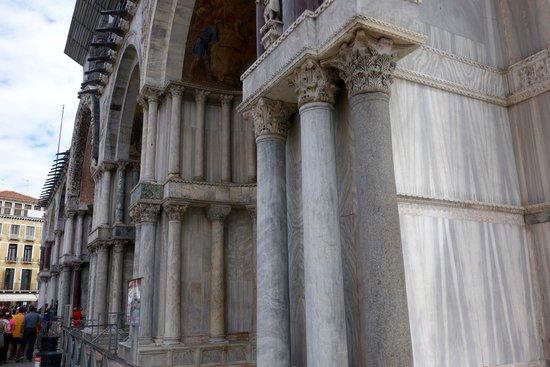 Markusdom (Basilica di San Marco): Fachada