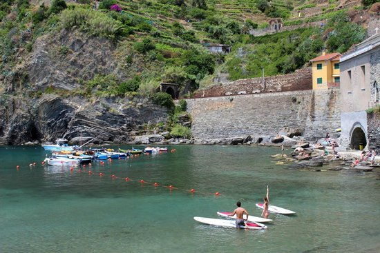 Walkabout Florence Tours: Relaxing in Vernazza.