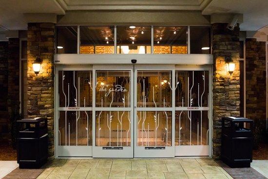 Hotel deals clarksville tn