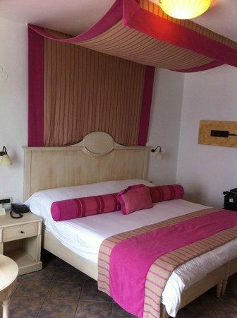 Myconian Imperial Hotel & Thalasso Centre : Quarto com vista para o mar