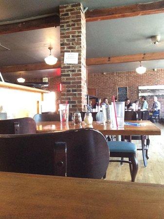 Pazzo's Restaurant & Bar