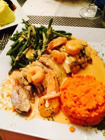 Restaurant le MArseillais : Magret de canard avec sa sauce aux gambas