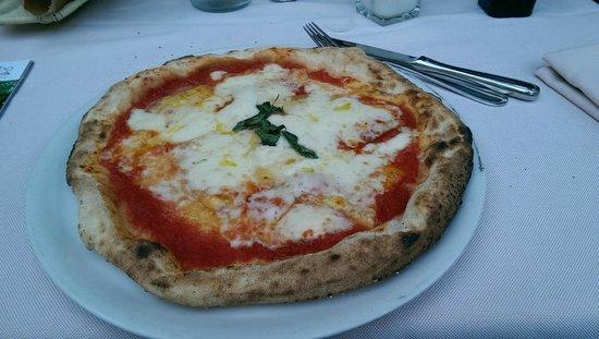 Damimo : pizza con caciocavallo