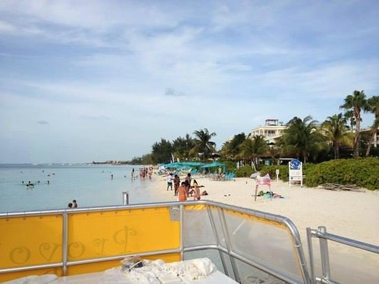 Caicos Dream Tours : Where we boarded the boat