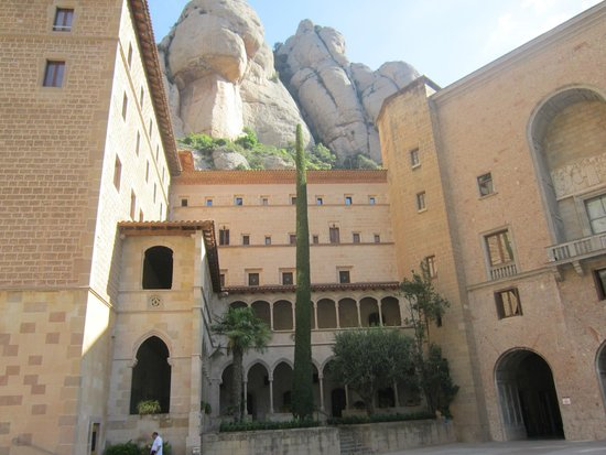 Montserrat Monastery : Монтсеррат