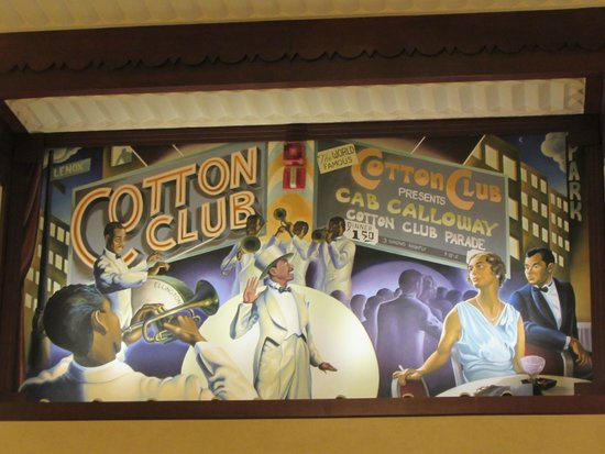 Hotel Edison Times Square : My favorite wall mural from lobby.