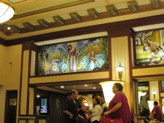 Hotel Edison Times Square: Wall mural from lobby.