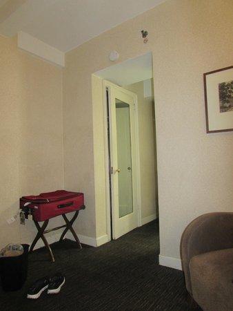 Hotel Edison Times Square: Room photo.