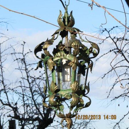 Isla de Torcello: luminária numa residência