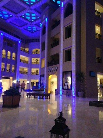 Steigenberger Al Dau Beach Hotel: lobby :)