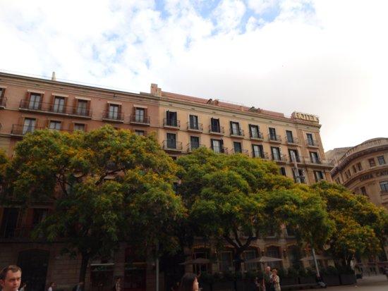 Colón Hotel: 外観