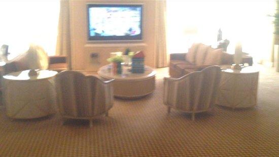 Encore At Wynn  Las Vegas: Salon suite - not the greatest pic but you get the idea
