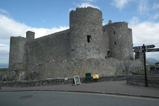 Harlech Castle: A Castle