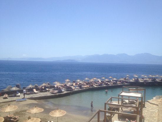 Tui Sensimar Elounda Village Resort & Spa by Aquila : View from beach bar