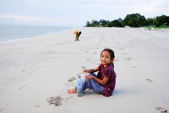Four Seasons Resort Langkawi, Malaysia: beach by hotel