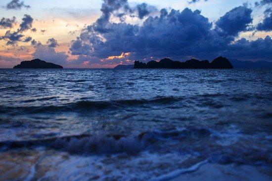 Four Seasons Resort Langkawi, Malaysia: sunset