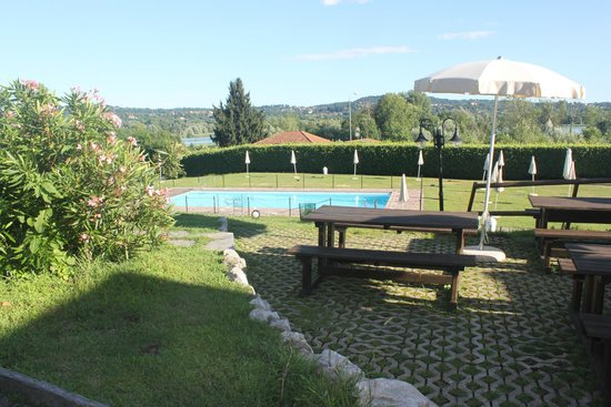 Relais sul Lago: Pool - very cold water