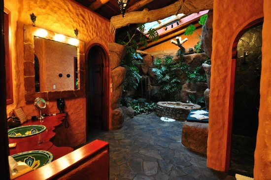 Peace Lodge: Bathroom