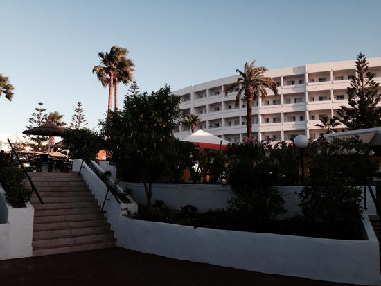 SuneoClub Tropicana: Hauptgebäude