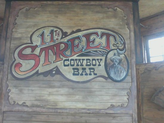11th Street Cowboy Bar: Glimpse from outside