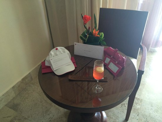 Excellence Playa Mujeres: Awesome fresh flowers and thank you gift from management