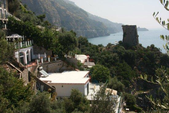 Hotel Torre Saracena : di giorno dal terrazzino