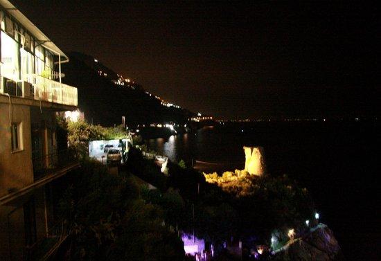 Hotel Torre Saracena: vista notturna
