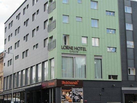 Lorne Hotel: Fachada lateral
