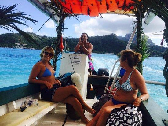 Maohi Nui : On the lagoon