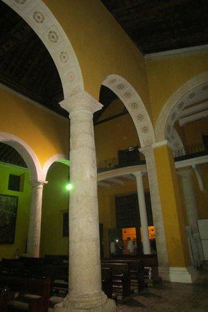 Iglesia de la Trinidad: arcada de medio punto
