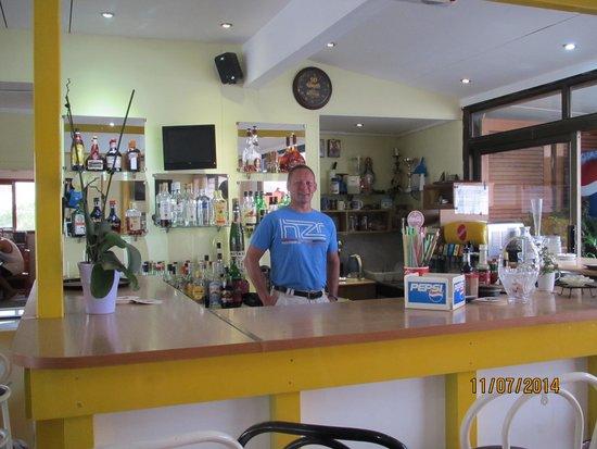 """Hotel Kastelli: """"gæste bartender"""""""