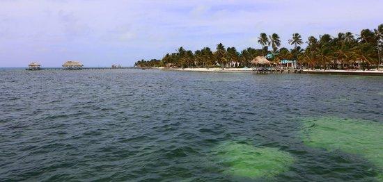 Victoria House Resort & Spa : Beachfront resort