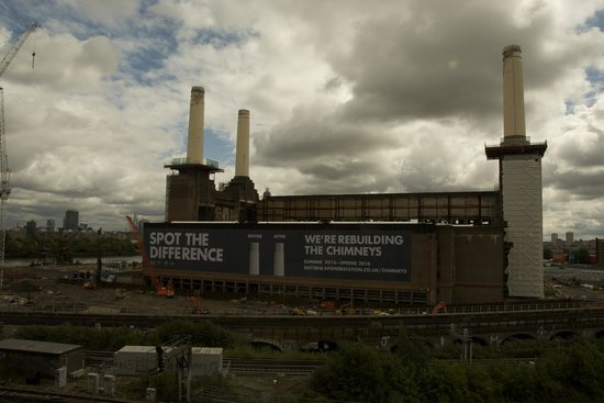Pestana Chelsea Bridge Hotel & Spa London : A view and a half of this old generating station!