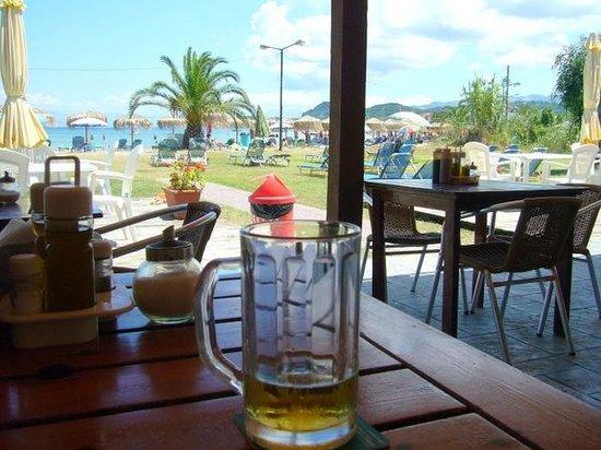 Seamonkeys Beach Bar : Our table