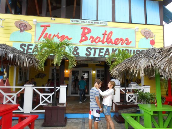 Twin Brothers Restaurant : This place is a joke in the Bahamas