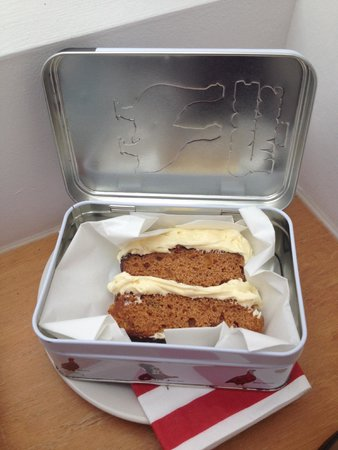 Loaf B&B: Welcome cake - a lovely surprise.
