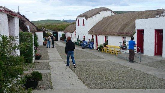 The Strand Hotel: doagh famine village, 5 min drive