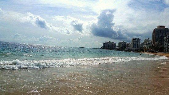 La Concha Renaissance San Juan Resort: La concha Beach