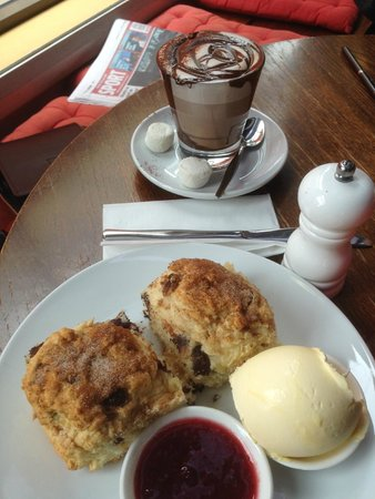 Cafe Madeleine: chocolate chip scones and hot chocolate - brilliant