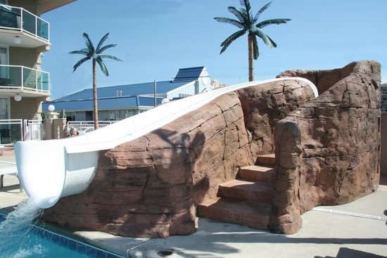 Park Lane Resort: 20 feet long water slide