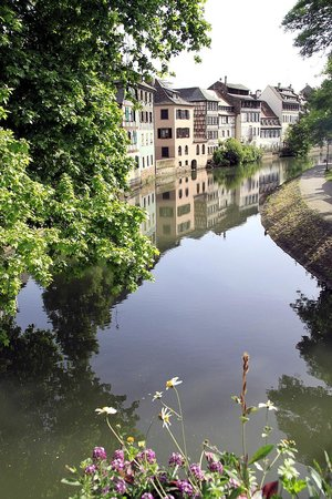 BEST WESTERN Hotel De France by HappyCulture : within 15 minutes - canal of Petit France